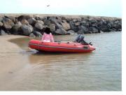 Wikingboot mit Außenborder