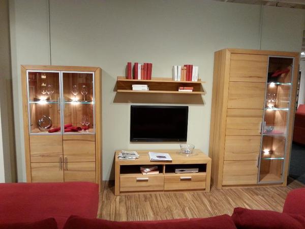 wohnwand kernbuche massiv top zustand. Black Bedroom Furniture Sets. Home Design Ideas