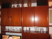 Wohnzimmer-Schrankwand braun,