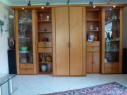 Wohnzimmerschrankwand in Kirschbaum