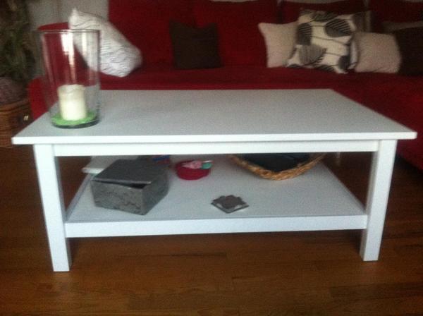 wohnzimmertisch modell hemnes in angelbachtal ikea m bel kaufen und verkaufen ber private. Black Bedroom Furniture Sets. Home Design Ideas