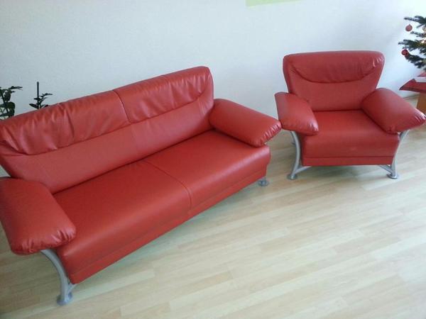 wundersch nes rotes ledersofa und sessel zu verkaufen. Black Bedroom Furniture Sets. Home Design Ideas