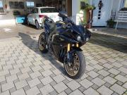 Yamaha R1 Rn22 (