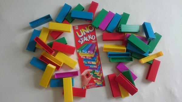2 Kinderspiele Uno Stacko und