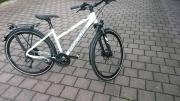 28 Damen-Trekkingrad Focus Aventura Lite -