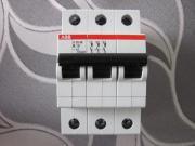 ABB S203-B10 B 10A 3-polig