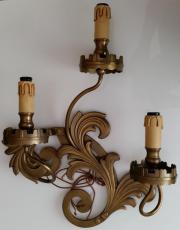 Alte dreiarmige Wandlampe,