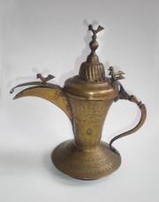 Antike Arabische Schnabelkanne