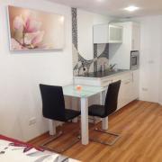 Apartment mit Hallenbad /