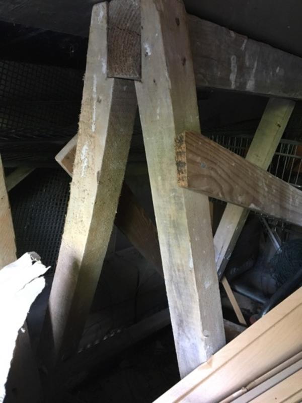 Arbeitbühne 1, 10m x 3, 5m - Mannheim Handelshafen - Biete aus Holz ein Arbeitsbühne Massiv.Höhe 1,10mBrettlänge 3,5m - Mannheim Handelshafen