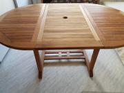 Ausziehbarer Gartentisch aus
