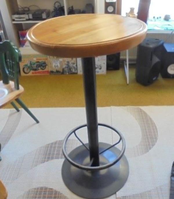 bartisch stehtisch mit kirschholzplatte in zirl gastronomie ladeneinrichtung kaufen und. Black Bedroom Furniture Sets. Home Design Ideas