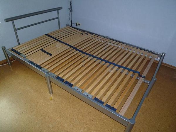 gebrauchte betten kaufen berlin bett kiefer kaufen. Black Bedroom Furniture Sets. Home Design Ideas
