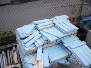 blaue Fliesenriemchen Schwimmbad,