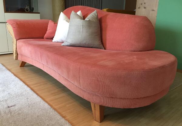couch / sofa / recamiere - stoff terracotta mit armlehne in rattan, Hause deko