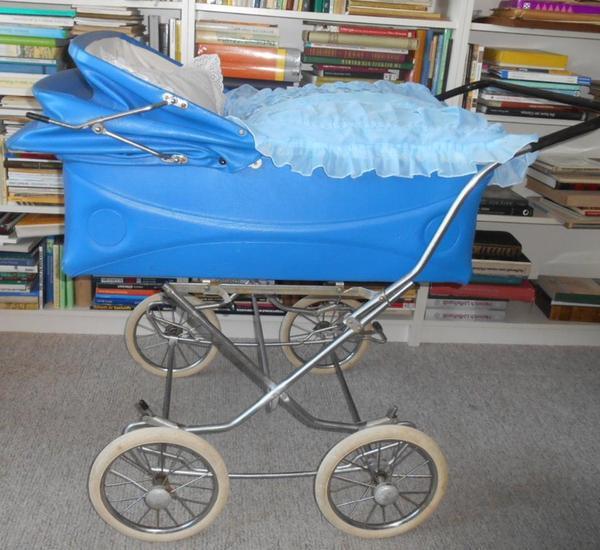 ddr kinderwagen zwillingskinderwagen zekiwa aus den 70er jahren in berlin kaufen und verkaufen. Black Bedroom Furniture Sets. Home Design Ideas