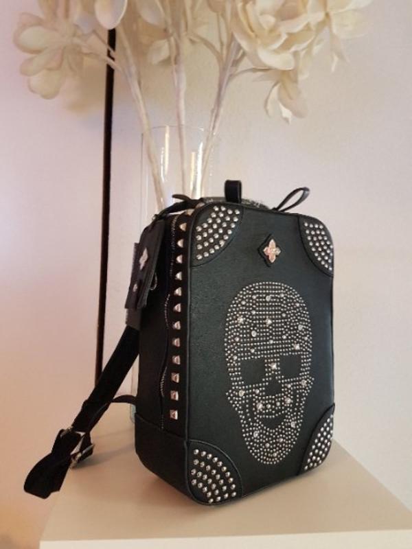 designer damen rucksack nieten diamanten totenkopf optik. Black Bedroom Furniture Sets. Home Design Ideas