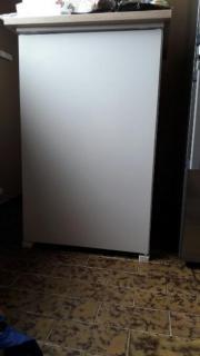 Einbaukühlschrank mit kleinem