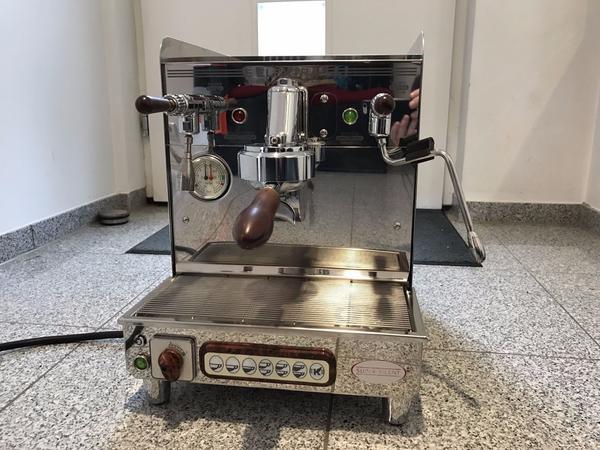 espressomaschine elektra sixties t1 in bremen kaffee espressomaschinen kaufen und verkaufen. Black Bedroom Furniture Sets. Home Design Ideas