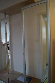 Garderobe mit Spiegelschrank,