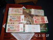 Geldscheine und Münzen aus der