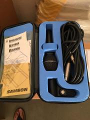 Gesangsmikrofon mit Kabel