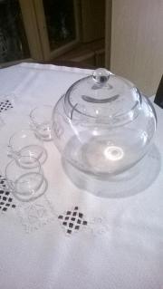 Gläserner Bowletopf