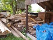 Grosse Menge Holzbalken