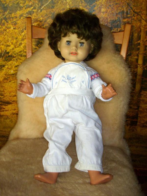 große Puppe