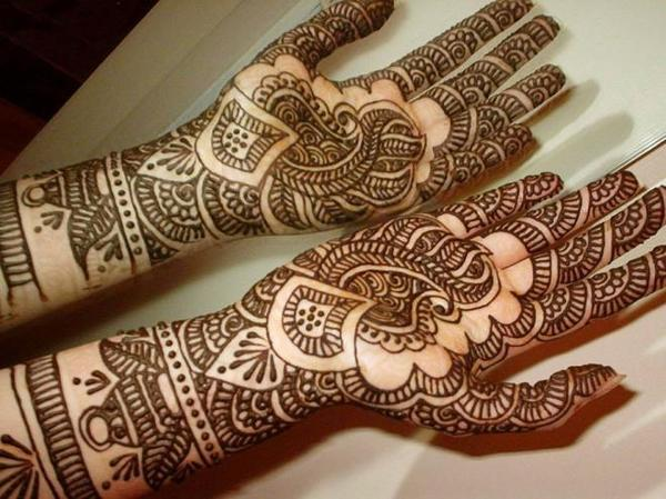 henna tattoo bemalung mehndi indisch marokkanisch in. Black Bedroom Furniture Sets. Home Design Ideas