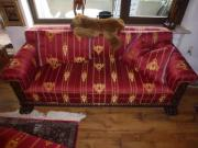 Historische Couchgarnitur um