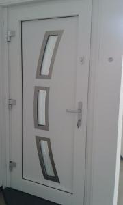 haustuer glas handwerk hausbau kleinanzeigen kaufen und verkaufen. Black Bedroom Furniture Sets. Home Design Ideas
