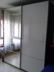Kleiderschrank weiß mit spiegel ikea  IKEA Kleiderschrank PAX mit Spiegel, schwarz, neuwertig in Münster ...