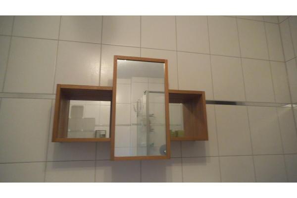 Ikea Molger 1x Spiegel-Schrank und 1x Ablage für ...