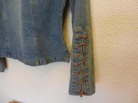 Jeansjacke Gr 40 - neuwertig: Kleinanzeigen aus Ludwigshafen Mundenheim - Rubrik Damenbekleidung