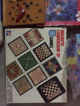 Holzspielzeug - Kinderspielzeug Holz verschieden Spielesammlung
