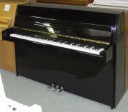 Klavier Yamaha M
