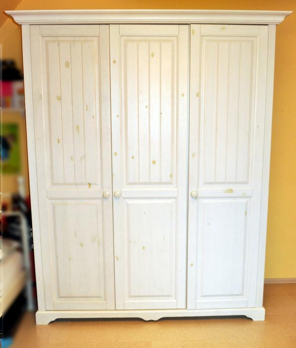 Kleiderschrank \'Cinderella\' 3-türig, weiß in Malsch - Schränke ...