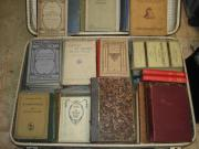 Koffer Antiquarische Schulbücher