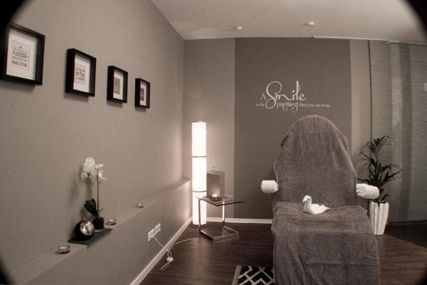 kosmetikstudio mit inventar u stammkundschaft zu verkaufen in reutlingen kosmetik und. Black Bedroom Furniture Sets. Home Design Ideas