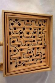 Labyrinth aus Holz
