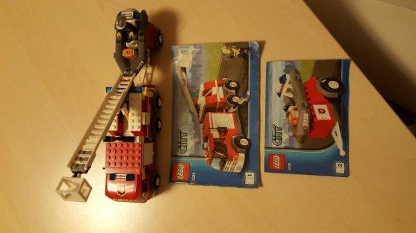 Lego verschiedenes - Linkenheim-hochstetten Linkenheim - Lego Feuerwehr Löschzug, Boot, Pick Up und Jeep. 18,- Lego City Satellitenstartrampe. 10,- Lego Creator 3 in 1. Weisskopfseeadler, Biber und Scorpion. 15,- Lego Bankraub und Lego Hundestaffel. 10,- Alle Komplett mit Au - Linkenheim-hochstetten Linkenheim
