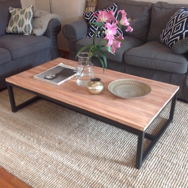 clp holz couchtisch ramesh industrial design. Black Bedroom Furniture Sets. Home Design Ideas