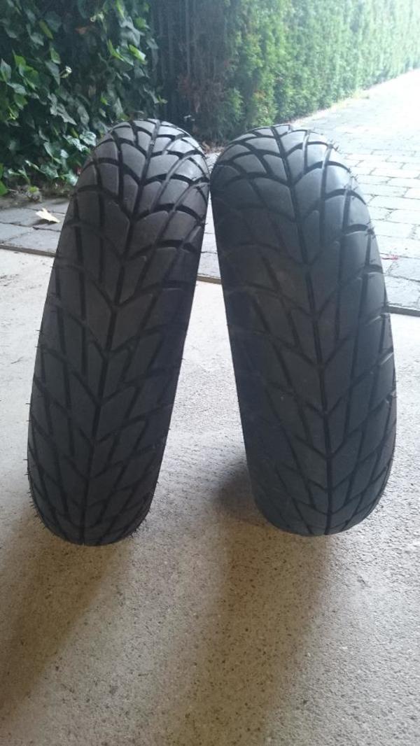 Original Roller Vorderreifen Reifen - Vespa