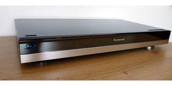 Panasonic DMP-BDT500 Blu-Ray Player - DVD Region Code free - München Obergiesing - Panasonic DMP-BDT500 Blu-Ray PlayerRegion Code free (nur für DVDs)sehr guter Zustand - leichte Gebrauchsspuren an der Oberfläche. Mit Fernbedienung und HDMI Kabel . Bedienungsanleitung nicht mehr vorhanden. Auf Wunsch drucke ich e - München Obergiesing