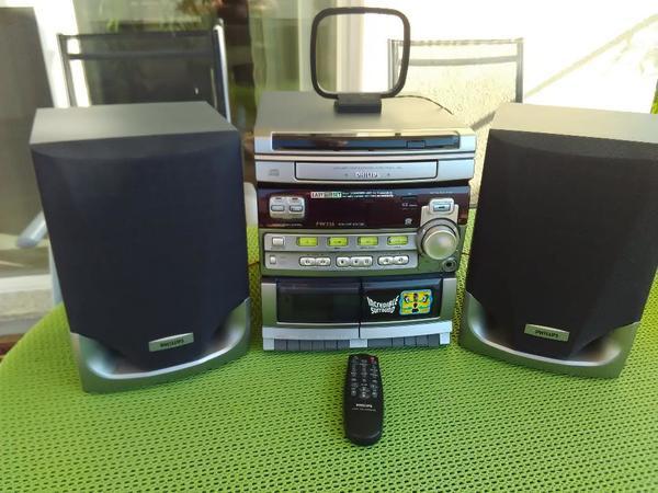 PHILPS HIFI Mini System; FW326 - Niederahr - Zum Verkauf steht eine voll funktionsfähige PHILIPS Mini Hifi Anlge FW 326/22Produkt Informationen:- Tuner: RDS-Synthesizer-Tuner- Kabeltauglich- Musikleistung 2 x 50 Watt, Incredible Surround- Single-CD Player- 2 Cassetten Decks, High Speed  - Niederahr
