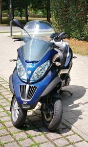Piaggio mp3 400