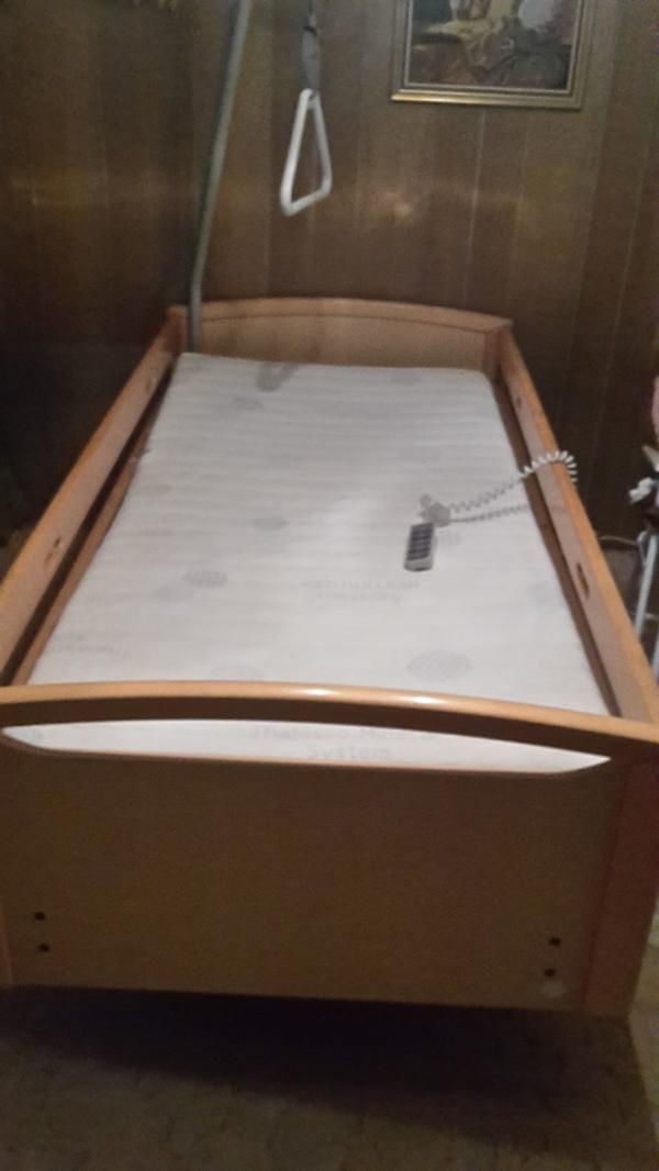 plegebett krankenbett 5 fach elektrisch verstellbar in h chst betten kaufen und verkaufen ber. Black Bedroom Furniture Sets. Home Design Ideas