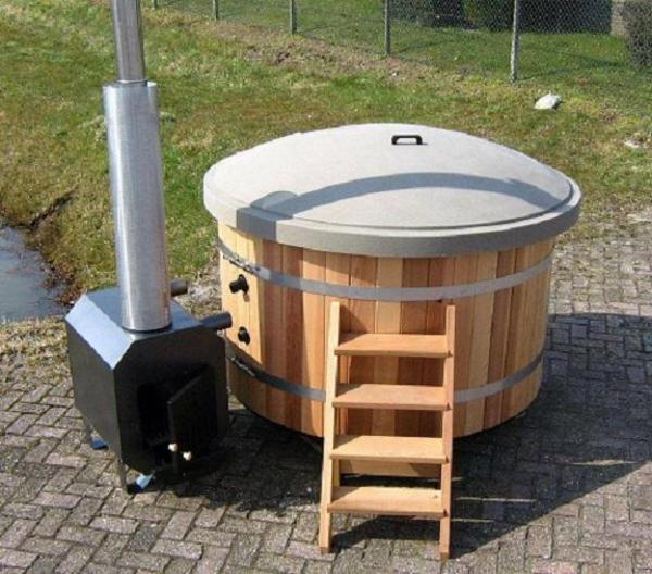 pool badefass hot tub in berlin sonstiges f r den garten balkon terrasse kaufen und. Black Bedroom Furniture Sets. Home Design Ideas