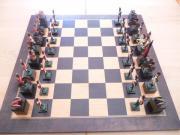 Schachspiel mit Zinnfiguren